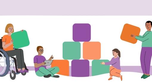 Cuatro personas se unen para construir una pirámide de bloques. Cada uno contribuye de manera diferente y tiene un bloque de color diferente.