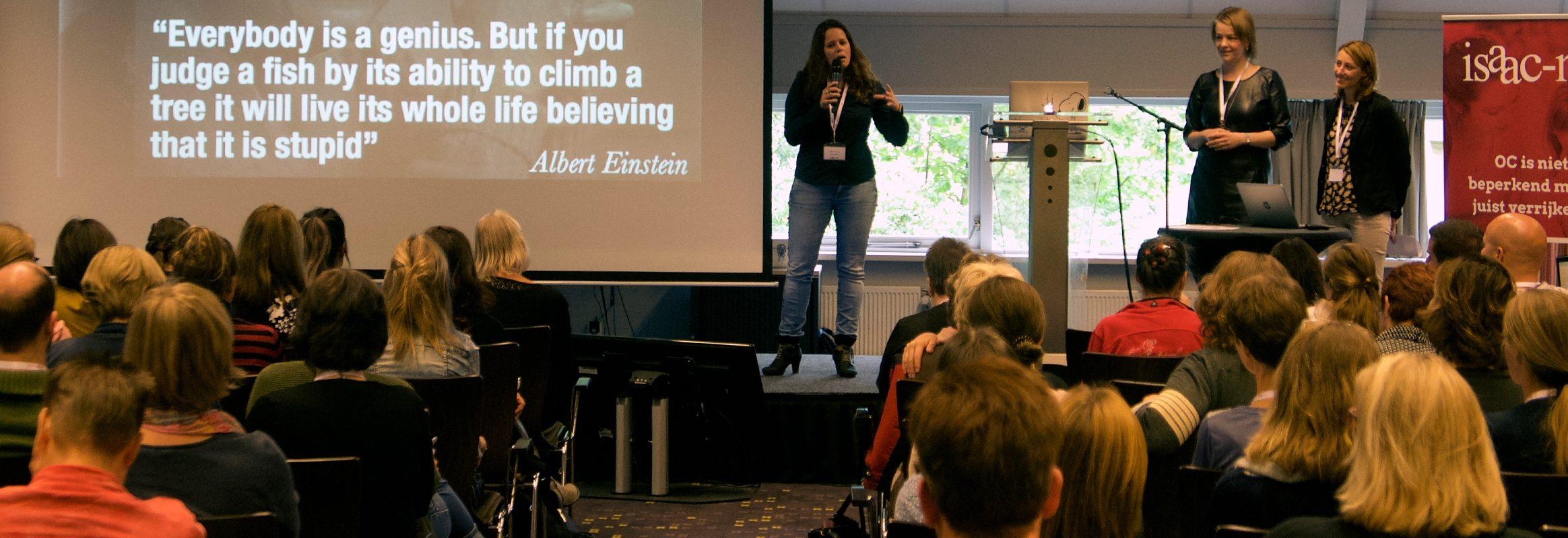 Willemijn op het podium tijdens de Isaac NF congres 2018